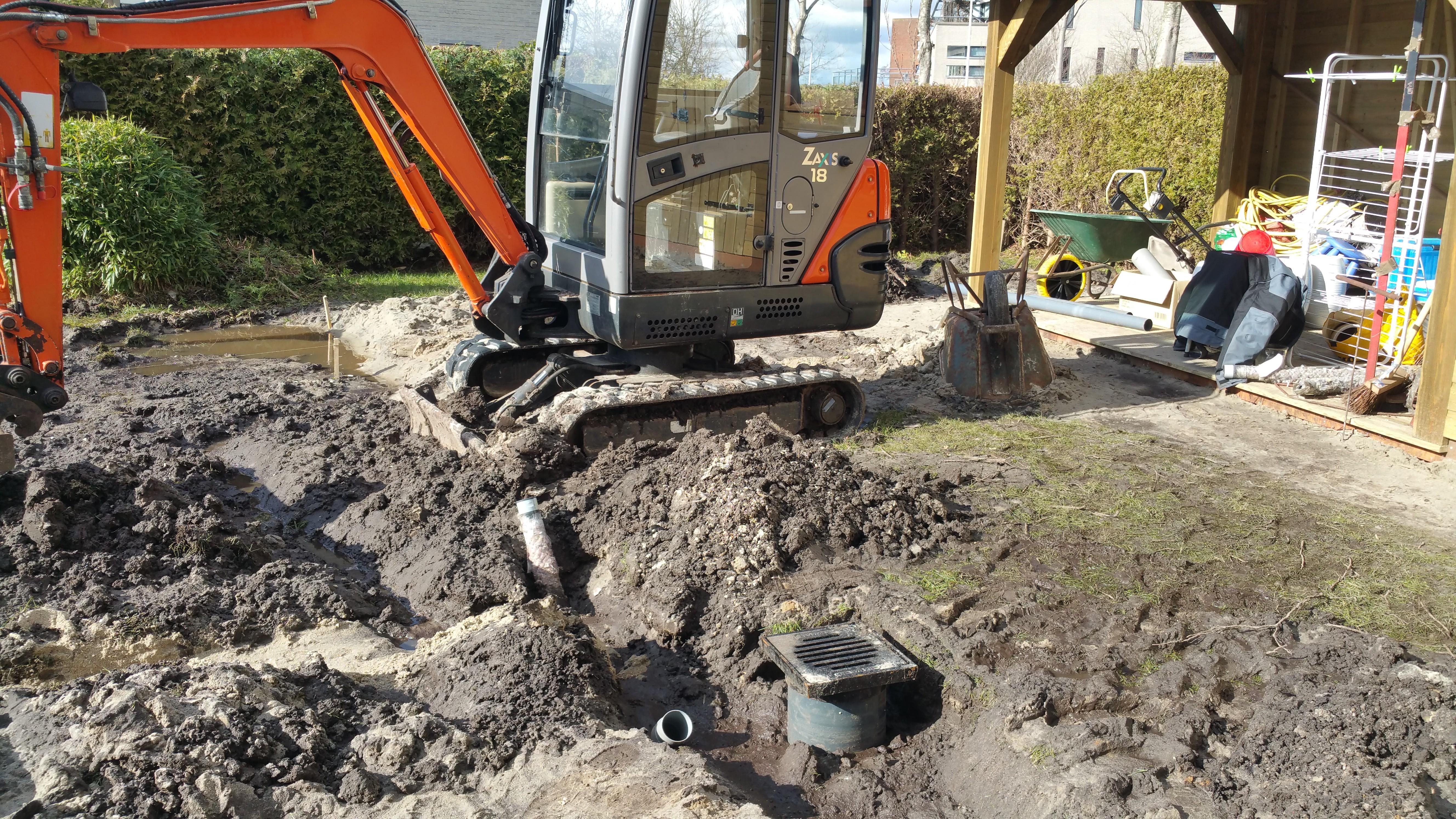 Aanleggen riolering en drain